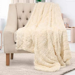 Everlasting Comfort Luxury Faux Fur Throw Blanket - Soft, Fluffy Blankets - Throw Blankets for Couch and Bed - 50x65 - Ivory
